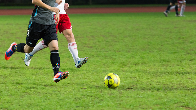 """""""一起跑 Running together"""" / Sunday League: Hong Kong Falcon vs Paulista / 香港足球 Hong Kong Football (Soccer) / SML.20130428.6D.03394.C169"""