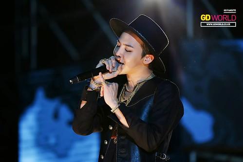 G-Dragon GDYBRI Harbin FM HQs 2015-03-21 by GDWorld 002