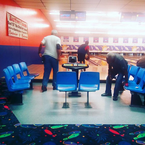 Supporting hubby at his Monday Night Bowling League. ♥ Such a winner. 😁   #🎳 #bowling🎳 #bowling #bowler #twitter