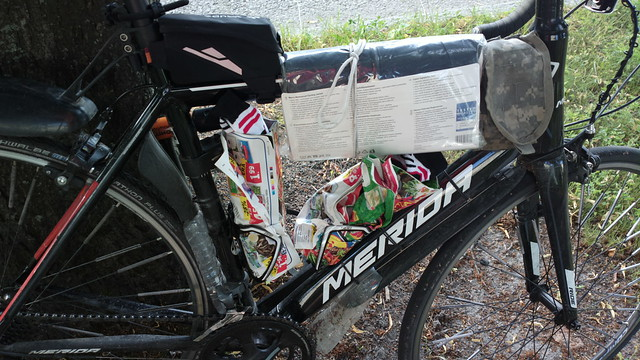 Bikehack: creative luggage