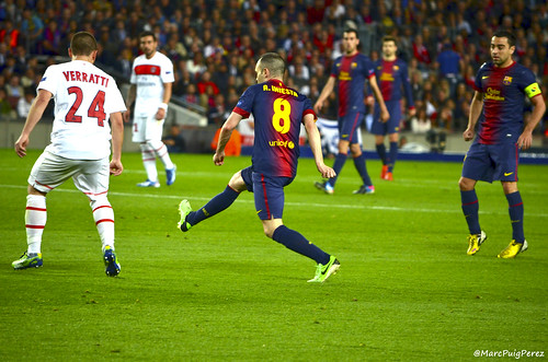 Is Barcelona's midfield the root of their problems?