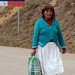 Woman on the highway; San Pedro y San Pablo Ayutla, Región Mixes, Oaxaca, Mexico por Lon&Queta