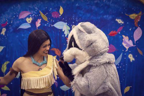 Pocahontas/Meeko.