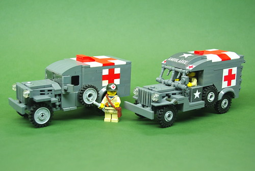 WC54 Ambulance comparison - Dunechaser vs. Brickmania (1)