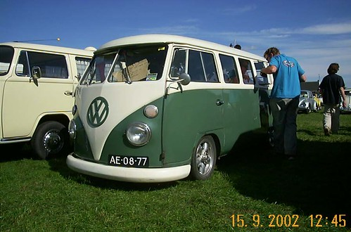 AE-08-77 Volkswagen Transporter kombi 1965