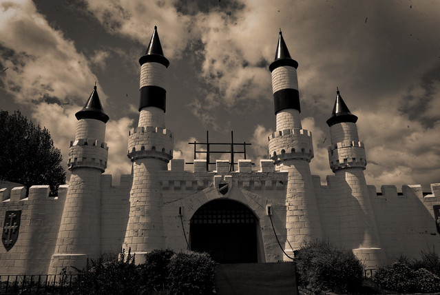 Camelot Theme Park - closed