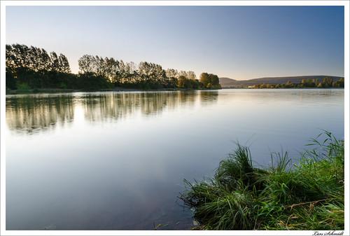 autumn sky lake sunrise landscape see herbst natur himmel landschaft sonnenaufgang hitech stausee eichsfeld ndgrad birkungen tamron1024mmf3545spdiiildaslif