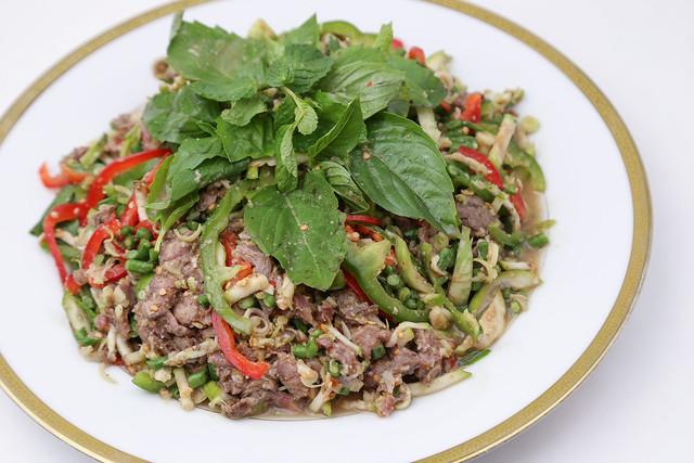 Plear Sach Ko (Spicy Beef Salad)