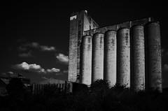 Silo à grain à Corbeil Essonnes #2 (variante)