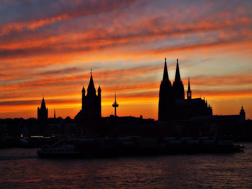 sunset sky panorama church silhouette night clouds river germany deutschland europa europe sonnenuntergang cathedral cloudy dom kirche cologne himmel wolken köln alemania nrw fluss rhine rhein allemagne koeln nordrheinwestfalen rheinufer northrhinewestfalia silhouetten