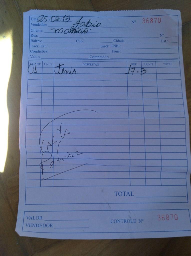 Uma das notas fiscais da Capezio prometendo que, um dia, entregaria o meu tênis