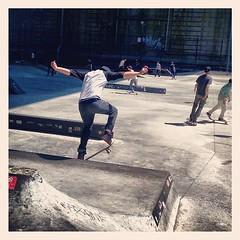 Ka chunk ka chunk ka chunk. #skateboard #skate #park #les #manhattanbridge #colemanskatepark #NYC