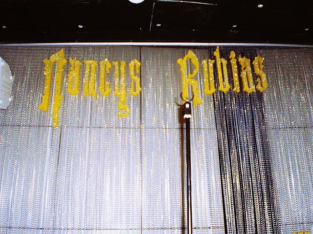 Nancys rubias revolucionan obbio flickr photo sharing for Sala obbio sevilla