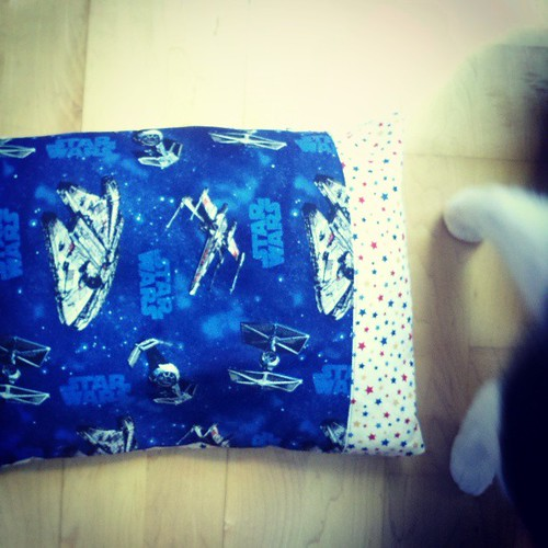 Our washer/dryer is broken. Instead of going to laudry, made another toddler pilloww case. #handmade #starwars
