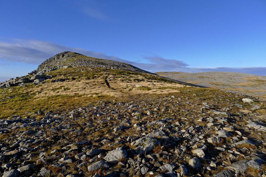 East ridge of Meall nan Ceapraichean