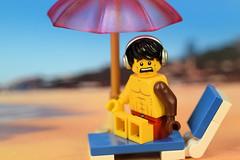 OMG, the sun umbrella is too small!