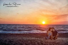 There's never one sunrise the same or one sunset the same. Love. #engagementphotos #lisandroriveraphotography #palmspringsweddingphotographer #weddingphotography #sunset