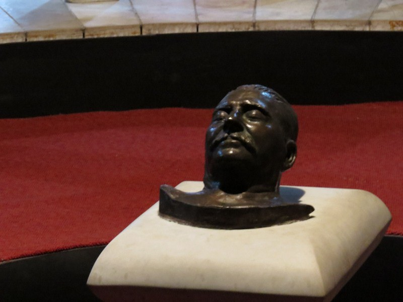 Stalin's death mask- super creepy!