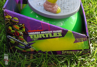 IMPERIAL TOY LLC. :: Nickelodeon TEENAGE MUTANT NINJA TURTLES :: SPRINKLER iv (( 2013 ))