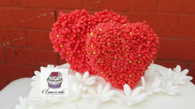 Wedding Anniversary Cake by Iwona Szulkowska