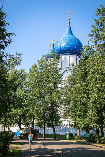Cathedral of the Nativity view from the street, Suzdal スズダリ、ラジヂェストヴェンスキー聖堂