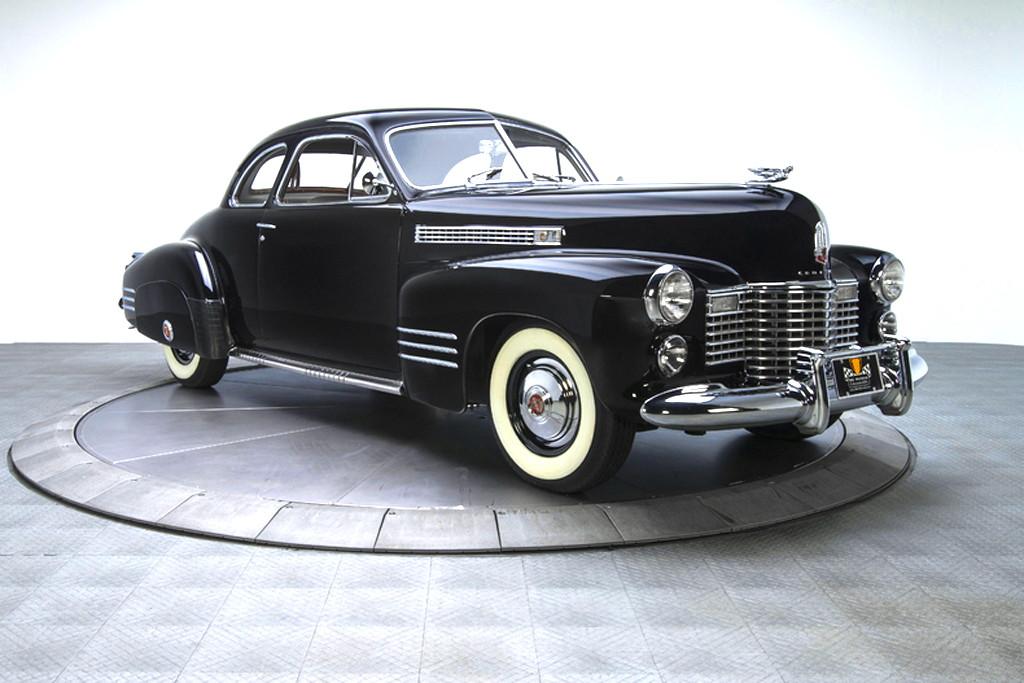 41030_F Cadillac Series 62 346CI Monobloc V8 3SPD Sedanette_Black
