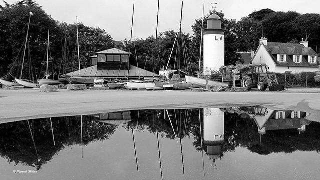 Aberwrac'h Lighthouse reflection