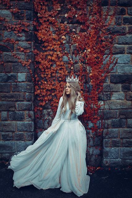 rosiehardy - The Weary Queen