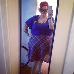 Perfect beehive. Homemade  skirt. Vintage plaid fabric. Beautiful weather. #ootd #diy #instafashion #fat #vintage