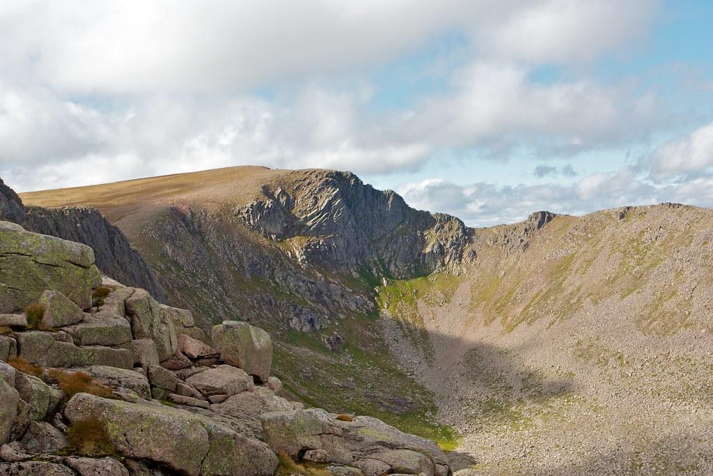 The Fiacaill Ridge across Coire an t-Sneachda