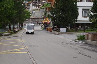 005 Elektrisch karretje in Zermatt