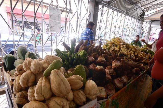 月, 2016-07-18 10:37 - 市場の果物屋