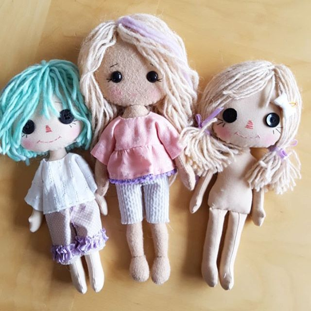 For anyone who is curious, the outfit pattern from the Pocket Prims dolls will fit the dolls from my book - My Felt Doll :) #myfeltdoll #gingermelon #gingermelondolls #primdoll