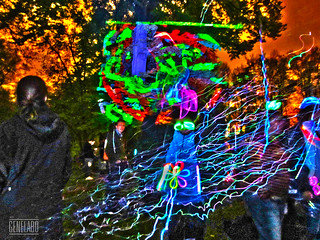 Tagtool through bubbles on Tree - Englischer Garten Teehaus