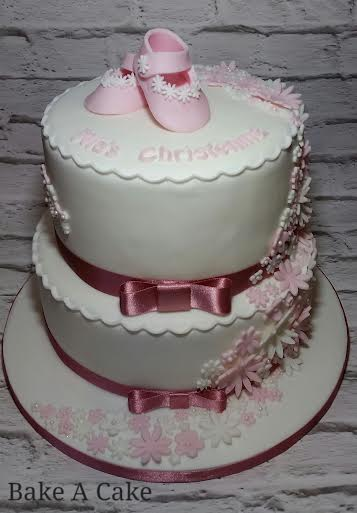 Cake by Magdalena Ruth of Bake A Cake