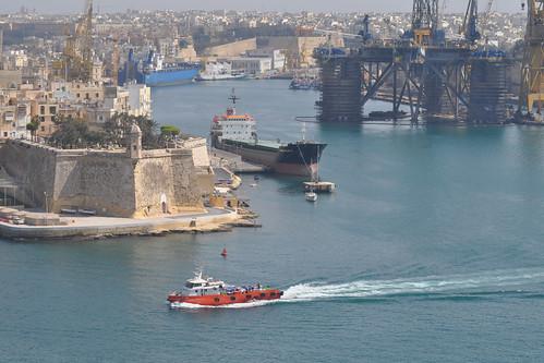Fort and port from Upper Barrakka Gardens
