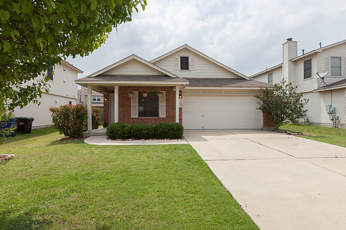 200 Paige Bend - Hutto - FOR SALE!