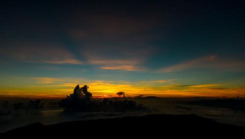 trip vacation sunrise trekking indonesia volcano asia southeastasia mountainclimbing adventure climbing backpacking backpack mountaineering summit traveling lombok отдых sasak rinjani gunungrinjani activevolcano вулкан отпуск путешествие mountrinjani скалолазание азия восхождение индонезия приключение dsc4913jpg rinjanitrekking треккинг юговосточнаяазия ломбок 3726m mountrinjaninationalpark rinjanisummit tamannationalgunungrinjani ринджани бекпекер бэкпэкинг действующийвулкан клайминг day3climbingmountrinjani rinjaniconquered climbedrinjani