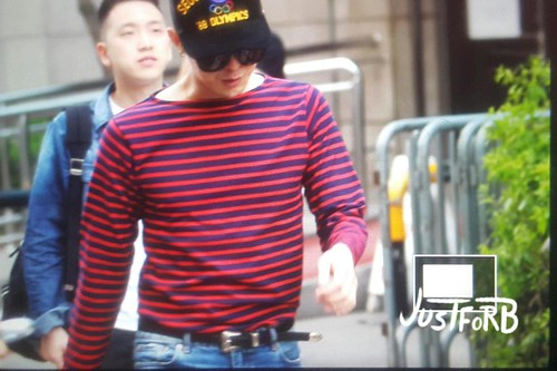 BIGBANG KBS Sketchbook - leaving after rehearsals 2015-06-02 011