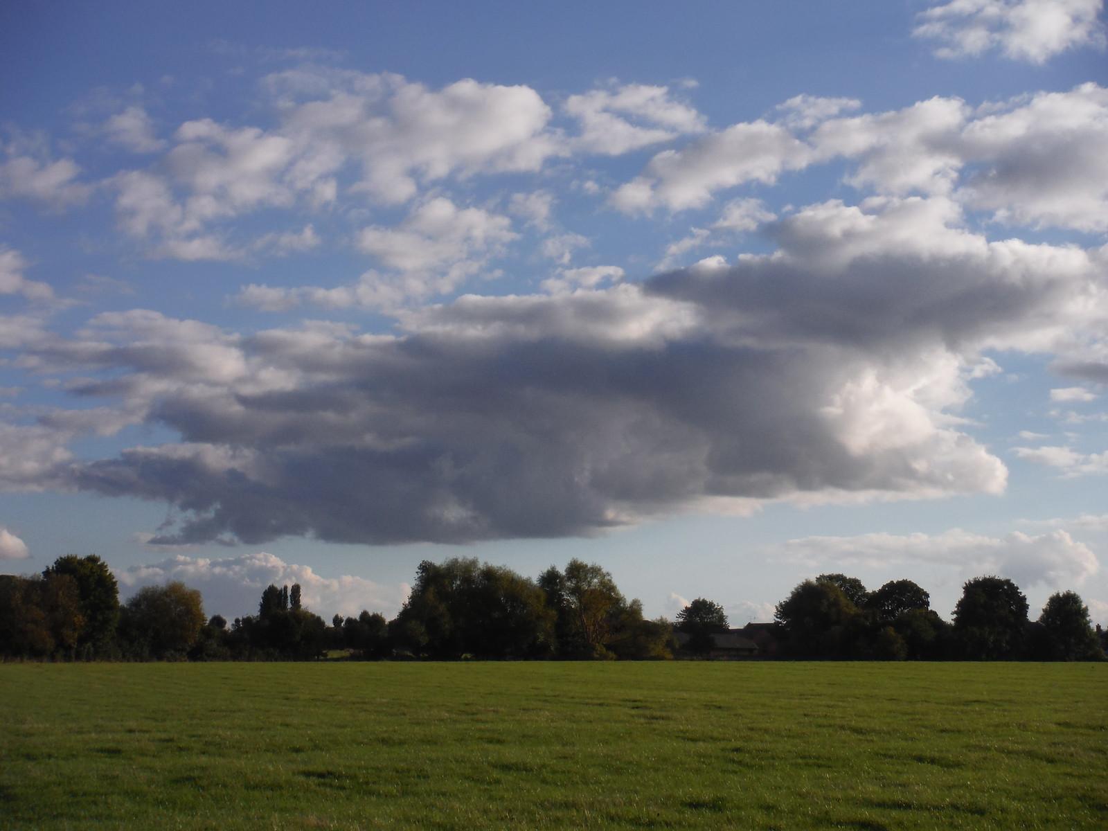 Cloudscape SWC Walk 194 Aylesbury Vale Parkway to Aylesbury