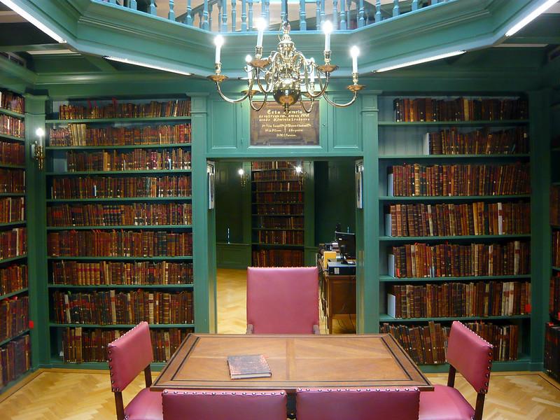 Ets Haim library