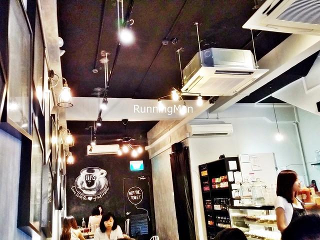 Lola's Cafe Interior