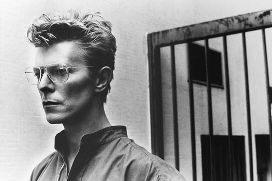 David-Bowie-photo-by-Helmut-Newton-1982