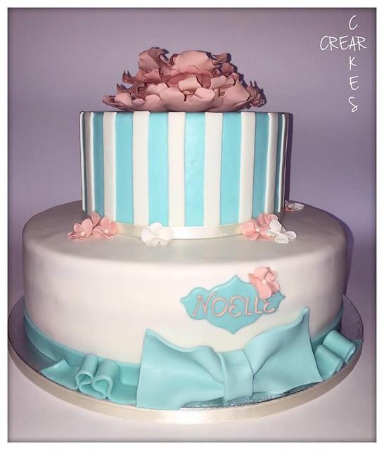 Peony Cake by Ileana Lino of Crear Cakes