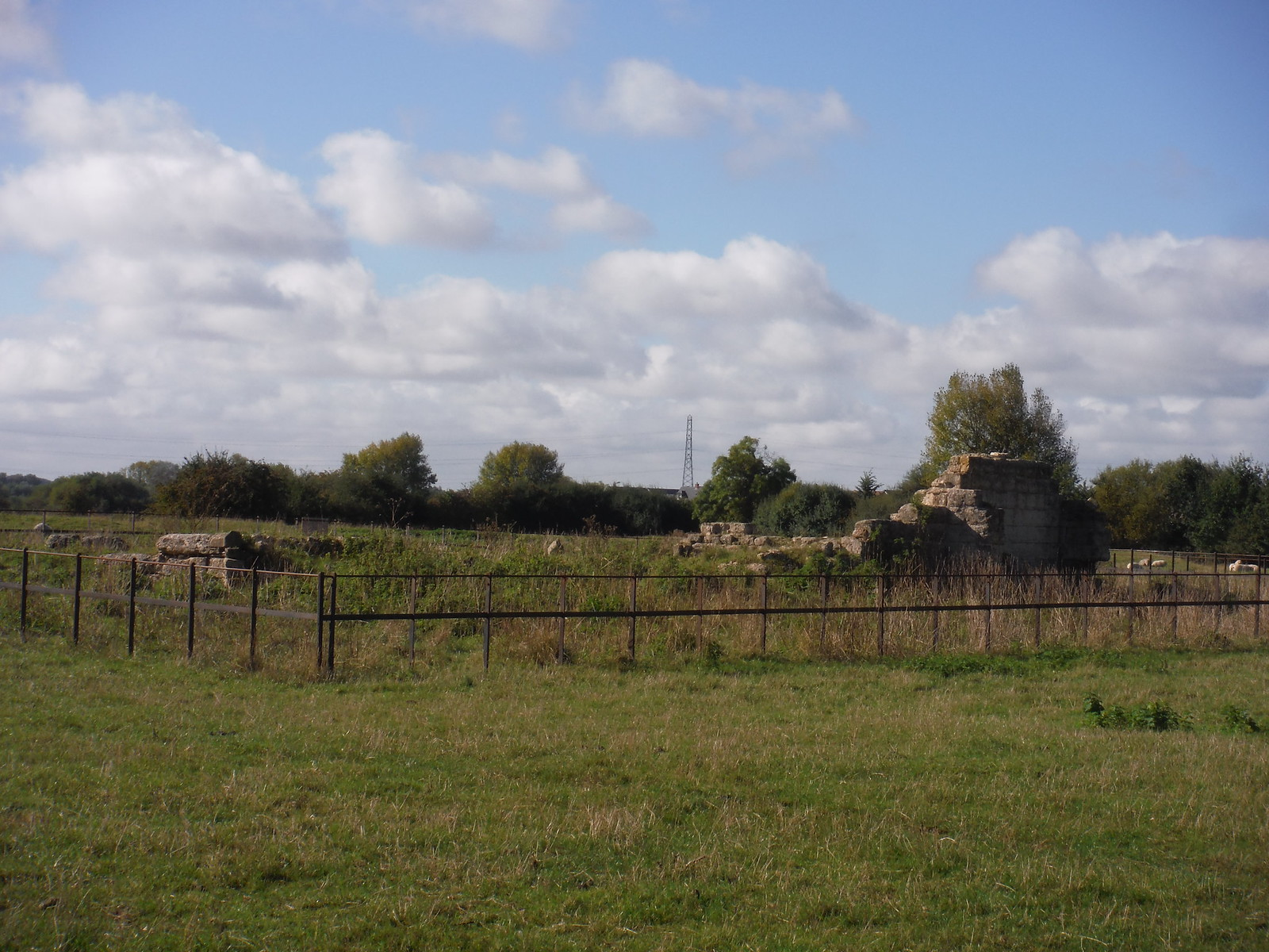 Ruins of St. Peter's Chapel, Quarrendon SWC Walk 194 Aylesbury Vale Parkway to Aylesbury