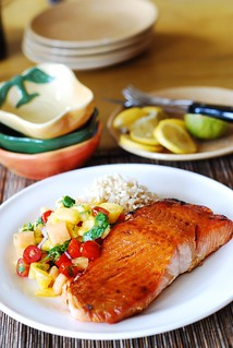 Salmon with mango salsa and rice | Healthy, Fish, seafood, low calorie, low carb, pineapple |