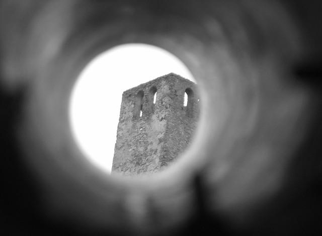 Turm durchs Fernrohr