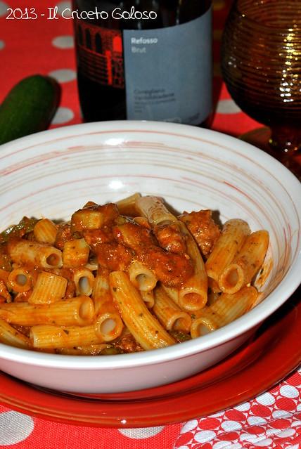 Rigatini alle zucchine, salsiccia e patè di melanzane (2)