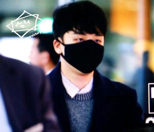 Big Bang - Kansai Airport - 19jan2015 - Seung Ri - Power Victory - 01 copy