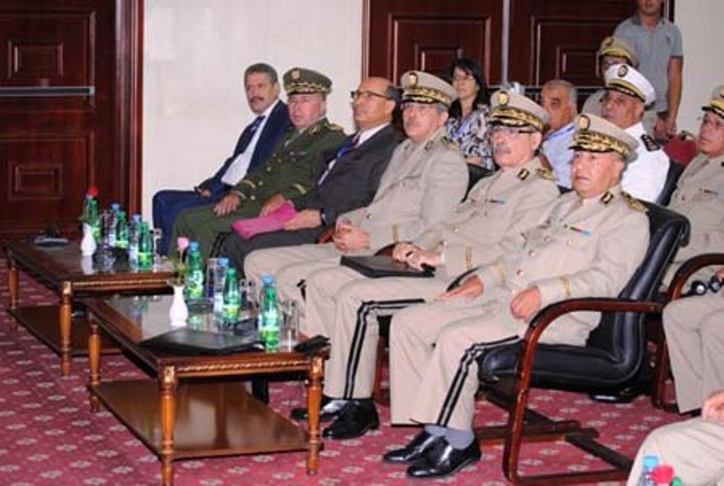 الجزائر : صلاحيات نائب وزير الدفاع الوطني - صفحة 3 29395090082_ac478ee0fc_o